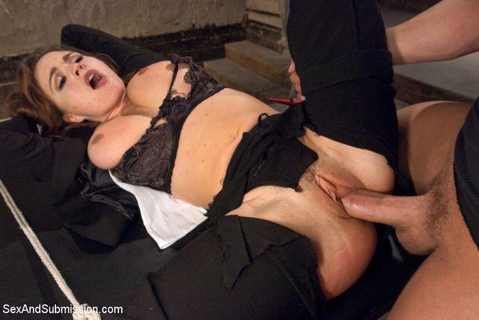Порно пытки молоденьких
