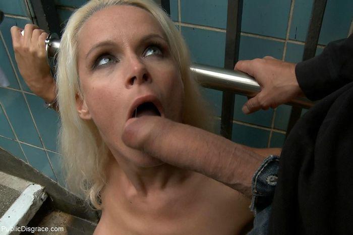 Hot German milf in public bondage and humiliation sex. Вернуться к анкете
