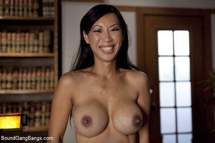 Ебля групповая азиаток, просмотр порно с зрелыми женщинами и молодые парни