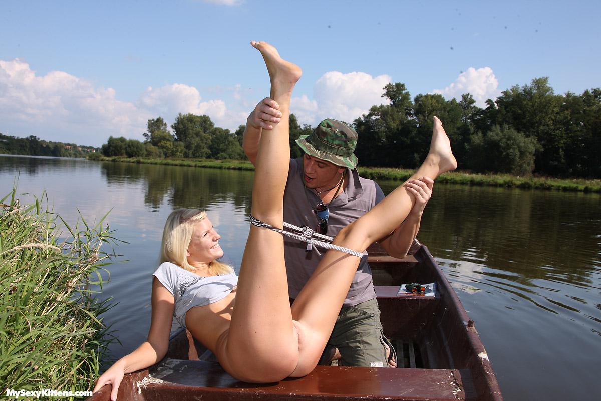 seks-muzhchini-russkie-v-lodke-seks-foto-seksa